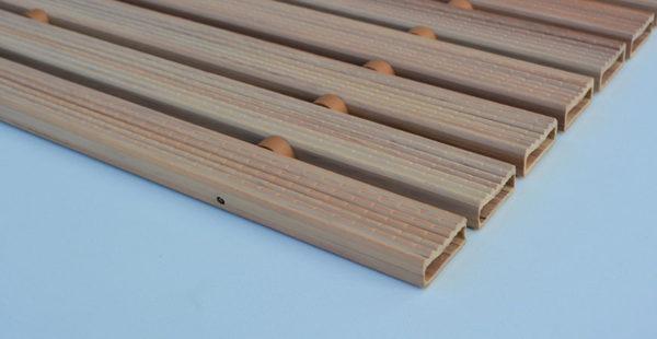 Covor Gapa cu înălțime de 12 mm, compus din PVC.